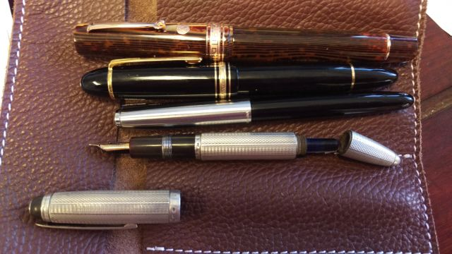 Barclay 1304 with Ripet gold nib & exposed accordion filler